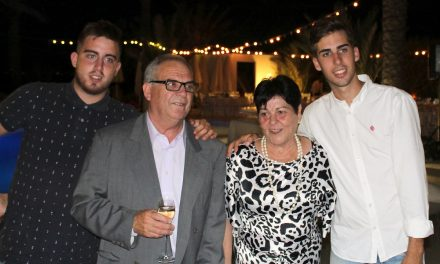 Merecida cena-homenaje a José María Alcaraz, de Los Churrascos, en Collados Beach
