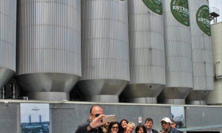 Hay un Tigre Detrás de Ti visita las instalaciones de Estrella de Levante en Espinardo