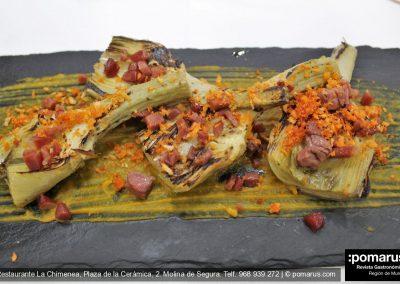 Crema totanera de calabaza, alcachofa, jamón ibérico y pan de sobrasada
