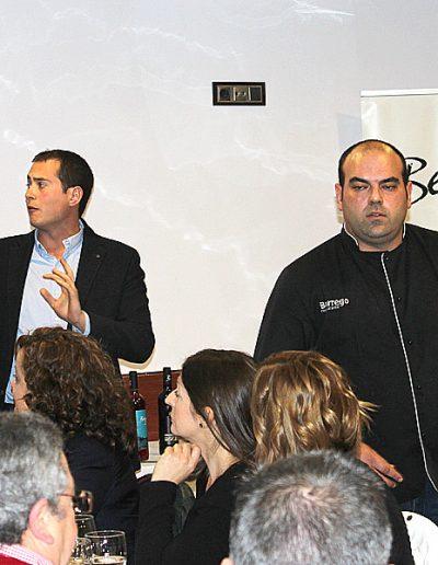 Fernando Carreño, a la izquierda, y Salvador del Restaurante Borrego