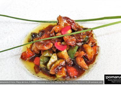 Wok de pollo campero con verduras y salsa terataki