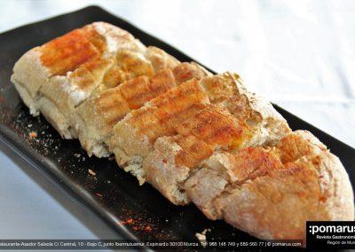 Pan tostado con AOVE y pimentón