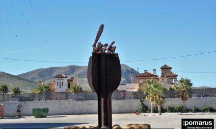 Medios de comunicación especializados de Murcia y Alicante visitan las Bodegas Luzón