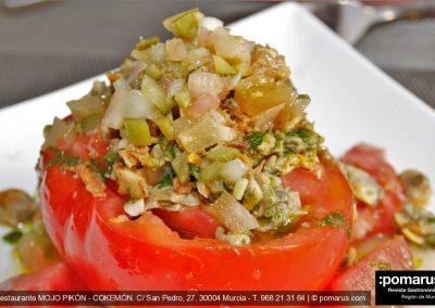 Tomate de la huerta: Pico de gallo, salsita aguacate y berberechos