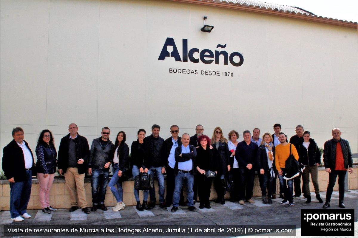 Restaurantes de Murcia visitan las Bodegas Alceño