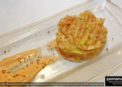 Timbal de bacalao con salsa kimchie