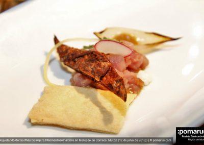 Tartar de cordero lechal con cremoso de queso