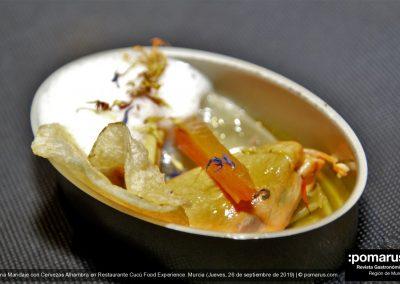Mejillones en escabeche, vermut y espuma de garum