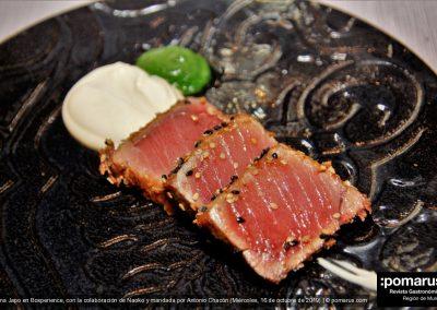 Tataki de atún maridado en cítricos