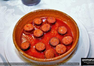 Bienvenida: Chorizo a la sidra con sidra escanciada