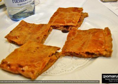 Empanada gallega de bacalao con pasas de Corinto