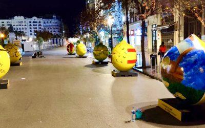 La llamativa exposición Lemon Art (con limones de dos metros) llega al centro de Valencia